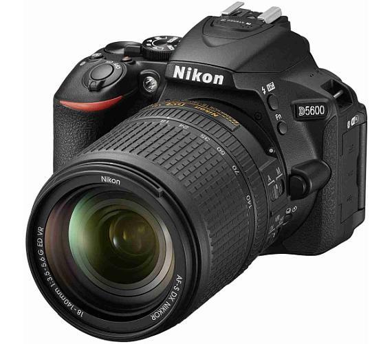 Nikon D5600 Black + 18-140 VR + ČIŠTĚNÍ ČIPU ZDARMA!