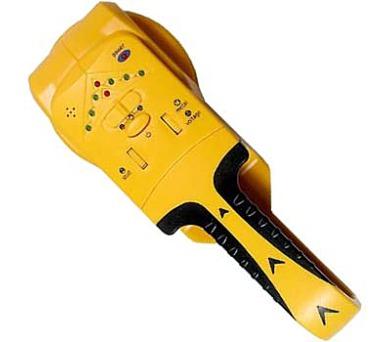 Detektor vodičů