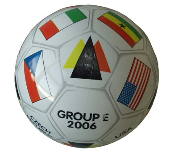 Mondo Potištěný kopací míč GROUP - E