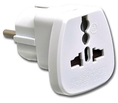 Cestovní adaptér pro použití v ČR